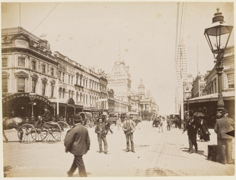 Swanston St Looking South